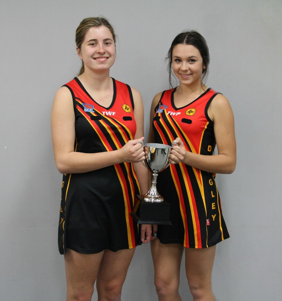 Opposing Dingley captains Gemma Reynolds (Two) and Aimie Taylor (One).